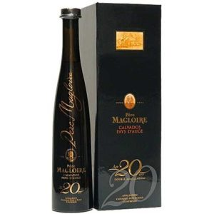 Кальвадос Pere Magloire 20 YO in gift box, 0.5 / Пер Маглуар 20 лет в кор. 0,5, Франция